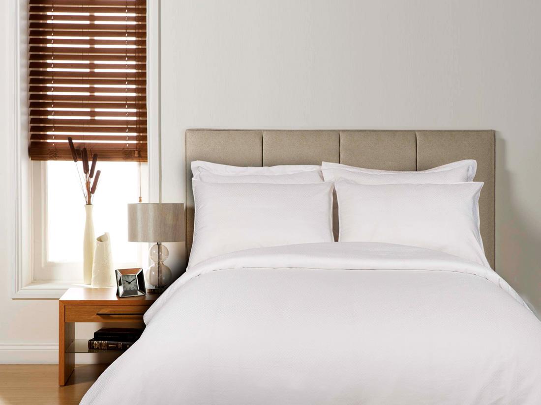 S banas blancas royal europe textile sl suministros textiles para hosteler a i hogar i - Textiles para hosteleria ...