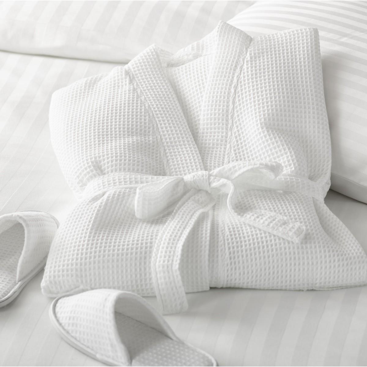 Bata de ba o sumerja a sus clientes en la verdadera comodidad y estilo lujoso royal europe - Textiles para hosteleria ...